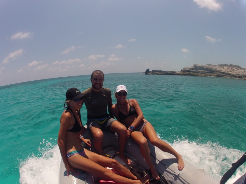Chelsea, Juan and Lydia helping to get the dinghy on plane.